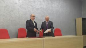 Nga ceremonia e dekretimit të Dekanit FHF, Prof. Dr. Sabri Laçi -3