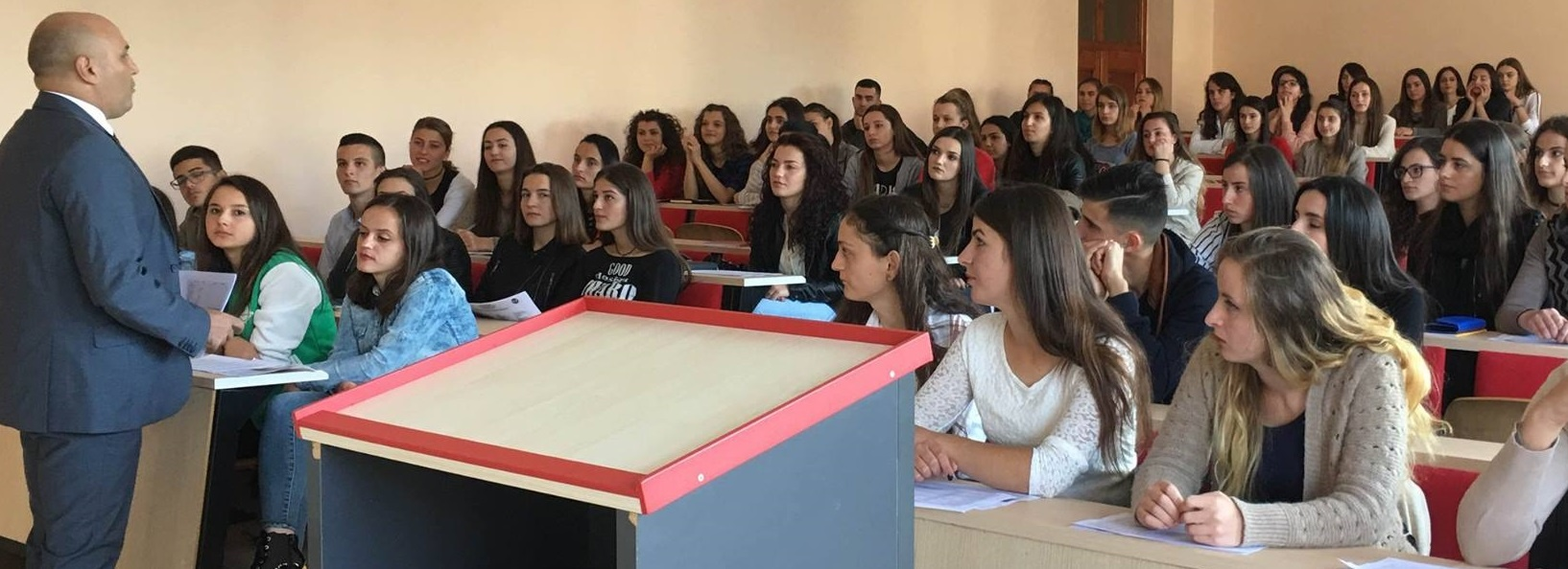 Studentët e rinj të Departamentit të Gjeografisë